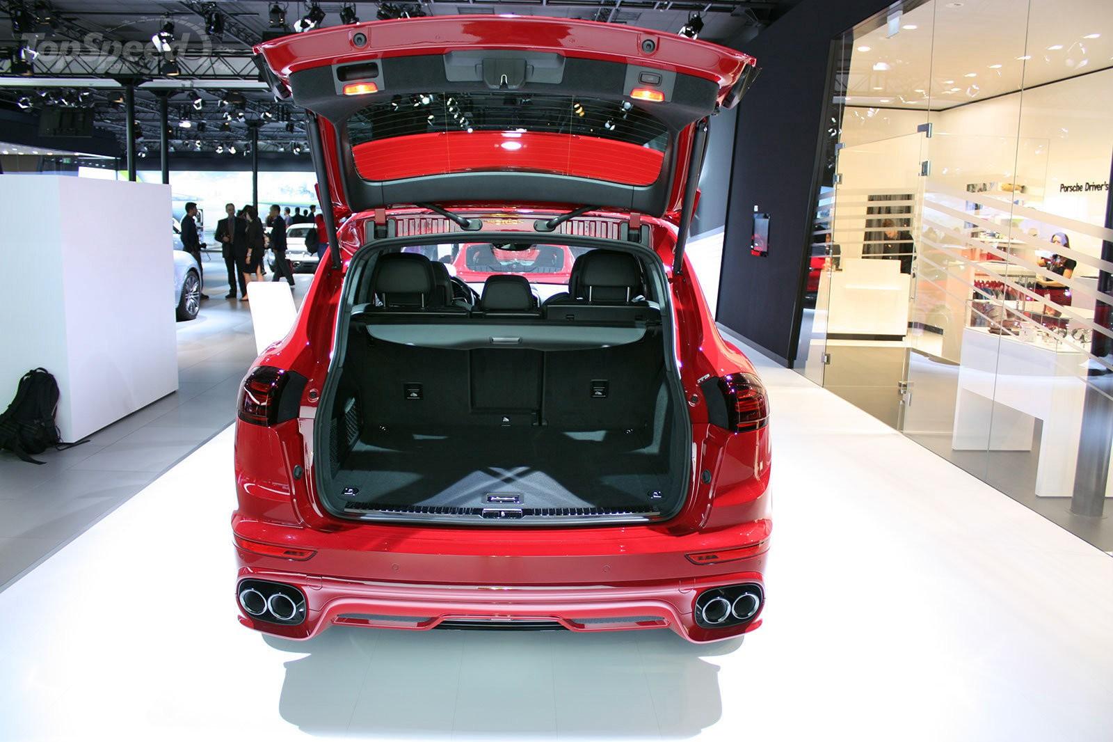 Porsche Cayenne GTS багажник