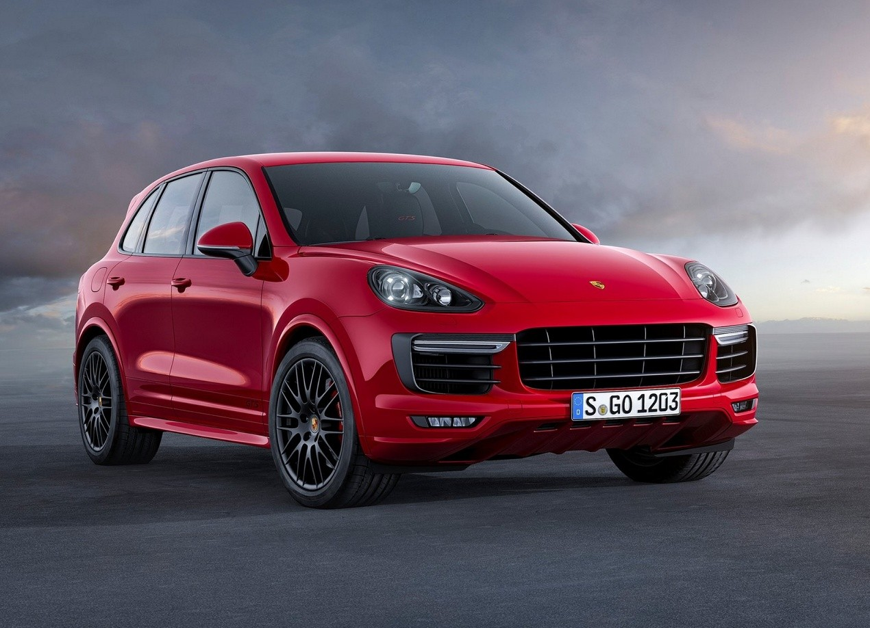 Porsche Cayenne GTS красный