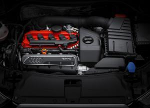 Audi RS Q3 фото двигателя