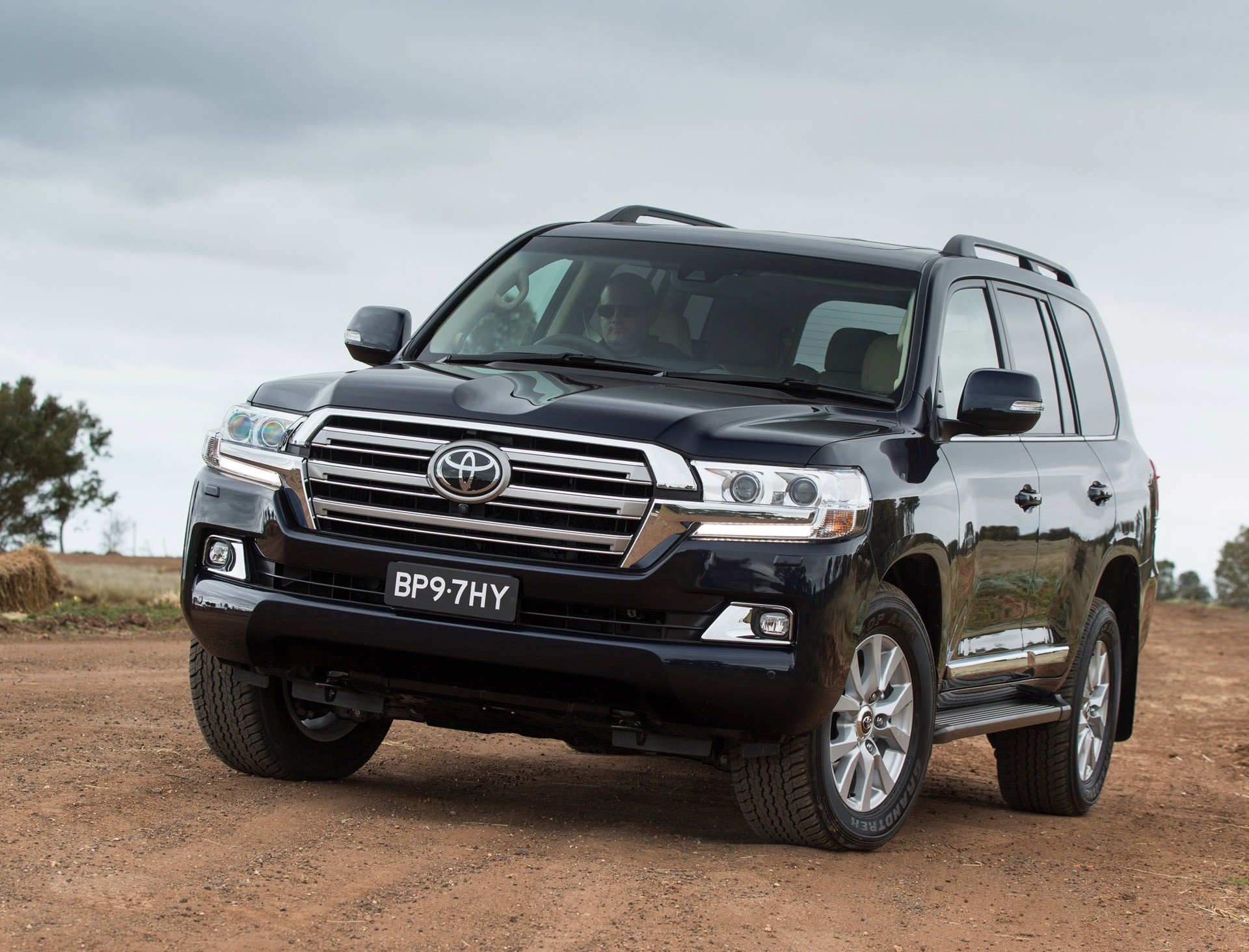 Toyota Land Cruiser 200 фото 2016