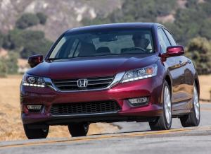 Вид спереди Honda Accord
