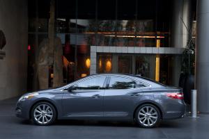 Вид сбоку Hyundai Grandeur