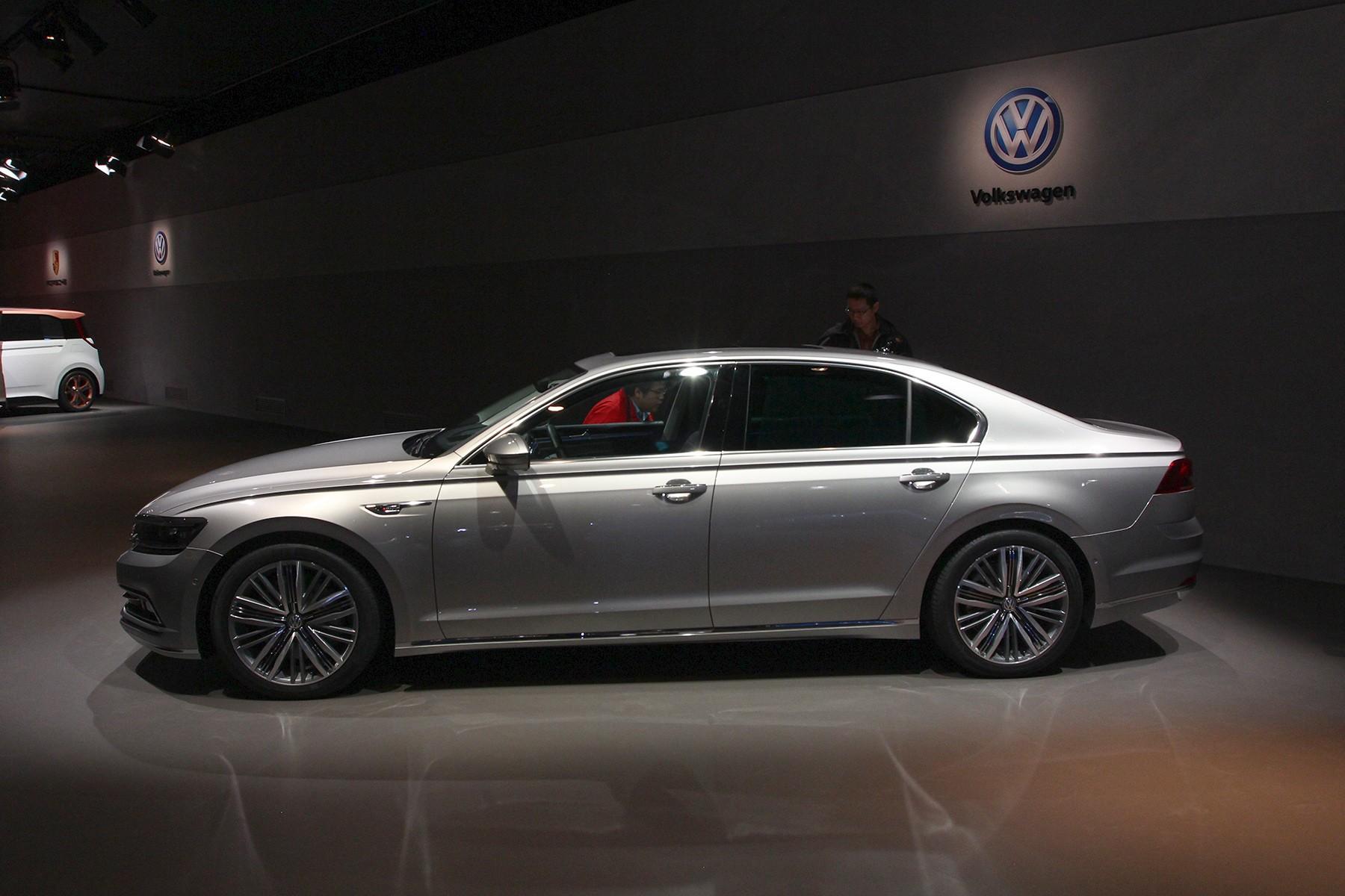Volkswagen Phideon вид сбоку