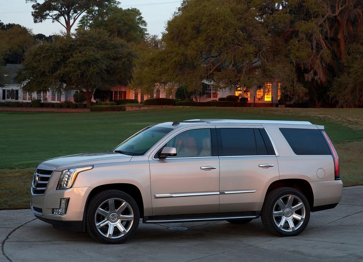 Cadillac Escalade вид сбоку