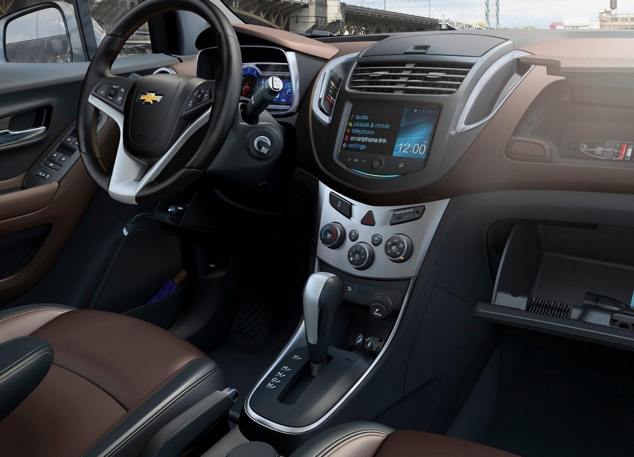 Chevrolet Tracker салон