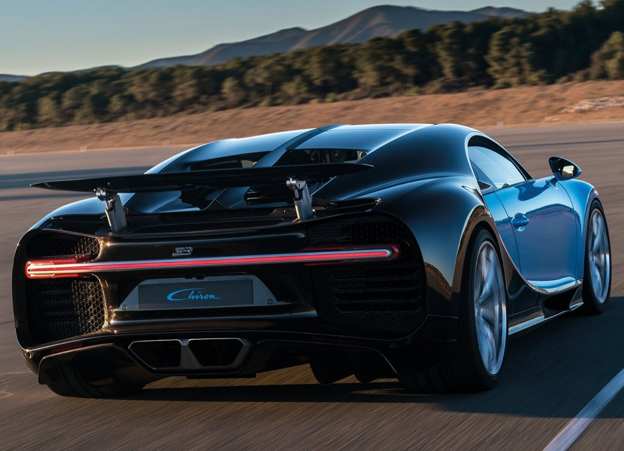 Bugatti Chiron фото