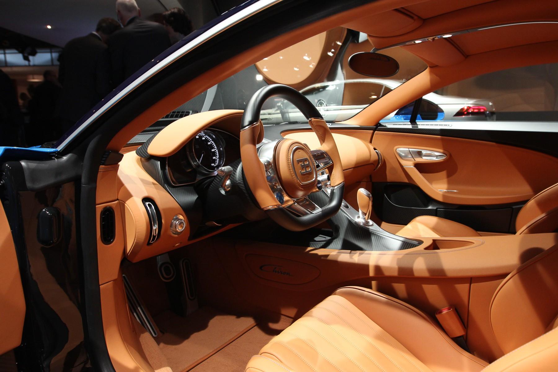 Bugatti Chiron салон