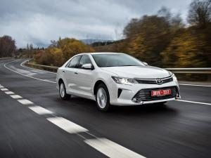 Toyota Camry фото