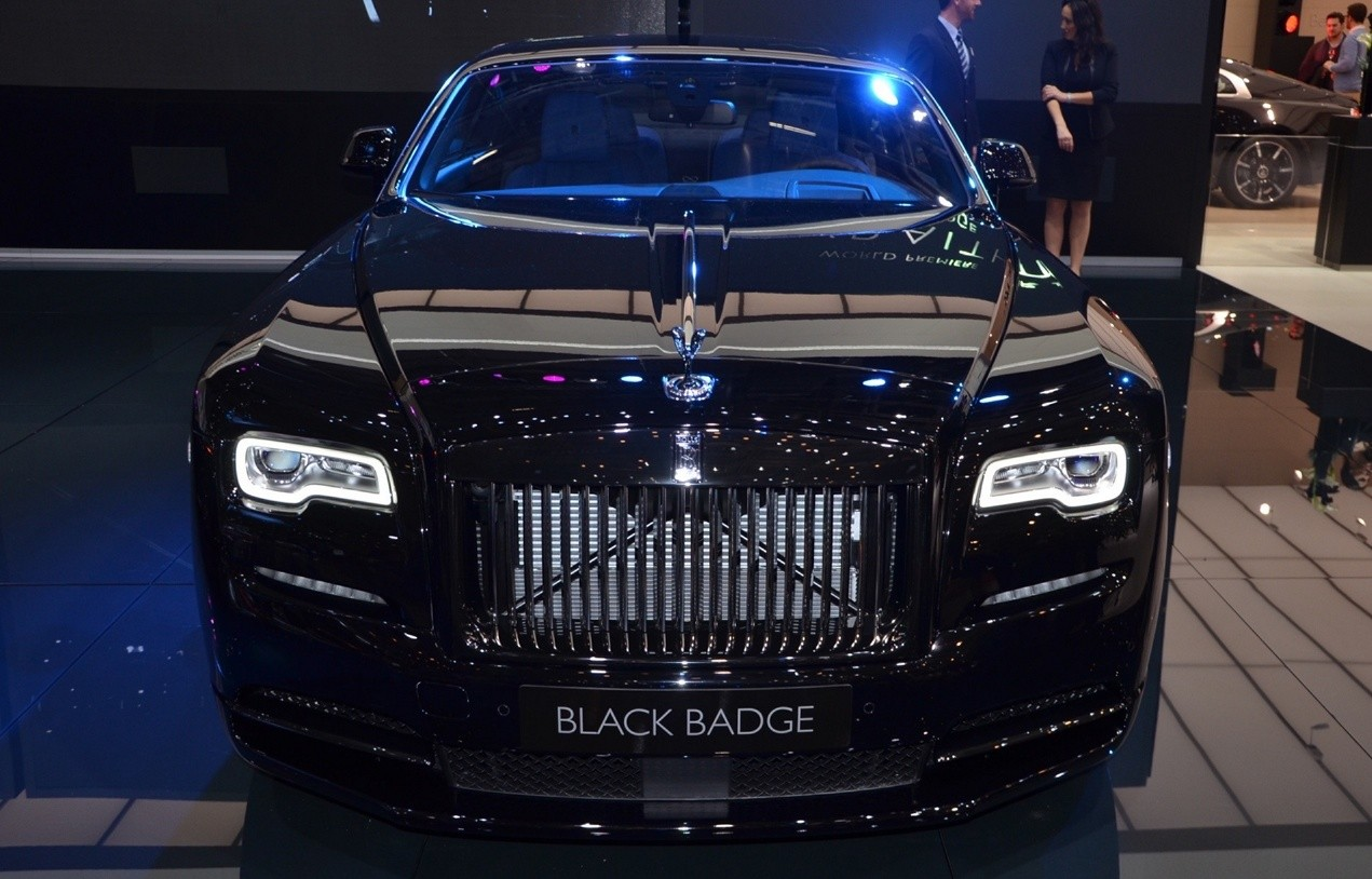 Rolls-Royce Black Badge вид спереди