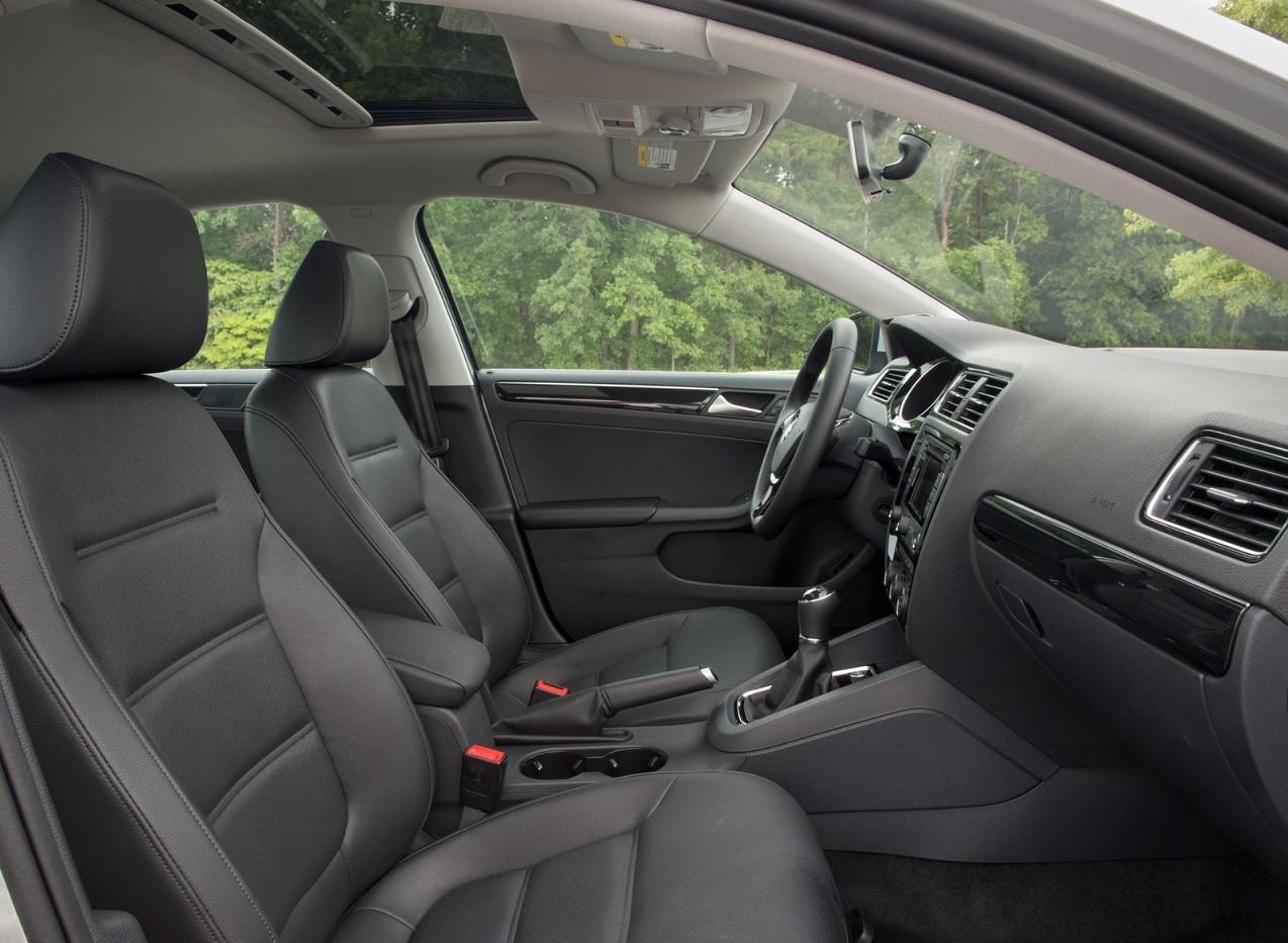 Volkswagen Jetta фото салон