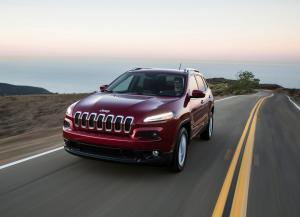 Вид спереди Jeep Cherokee 5
