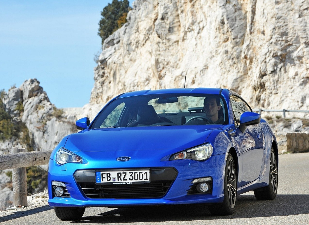 Subaru BRZ вид спереди