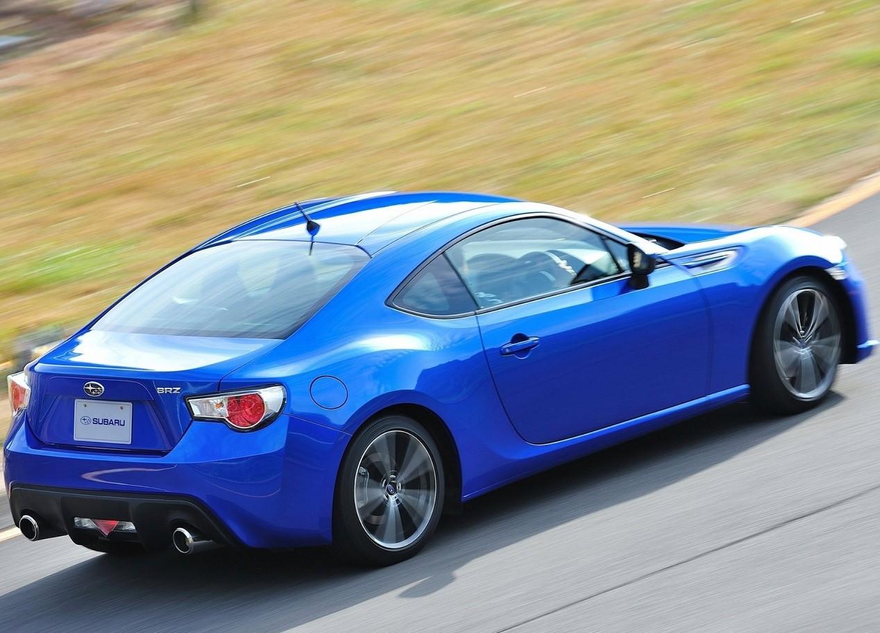 Subaru BRZ фотография