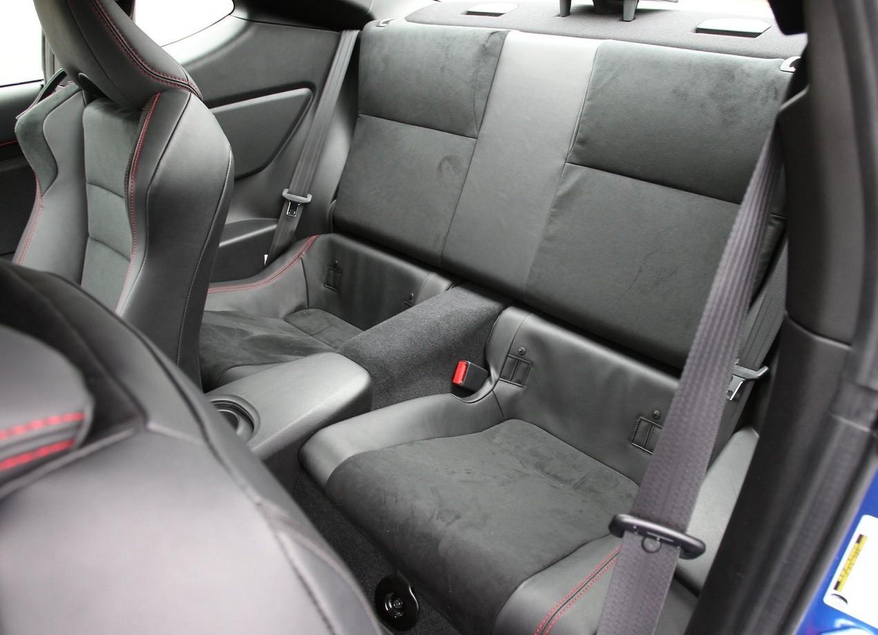 Subaru BRZ фото салон
