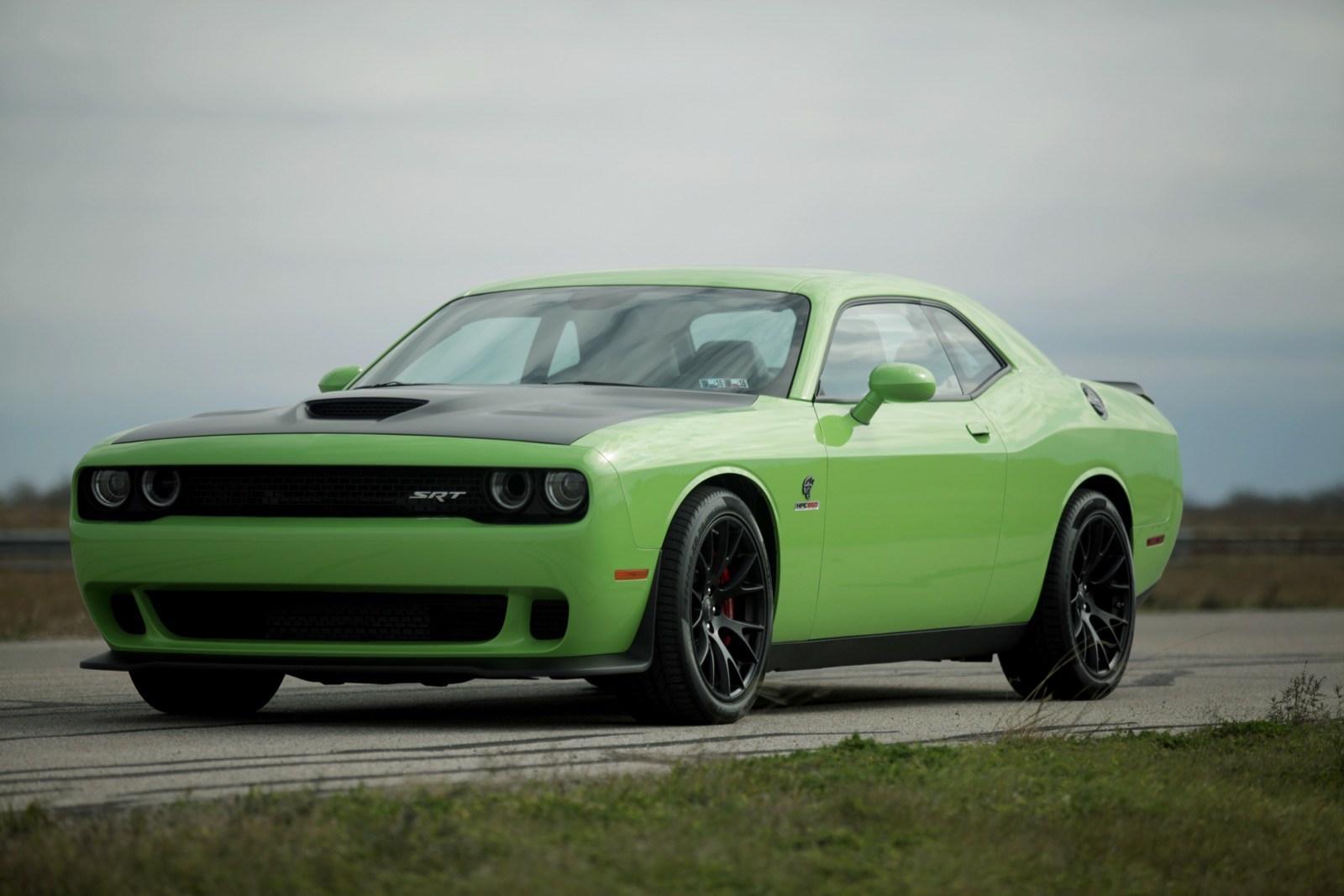 Dodge Challenger SRT Hellcat фото