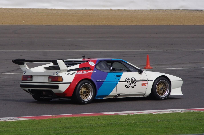 BMW-M1 фото авто