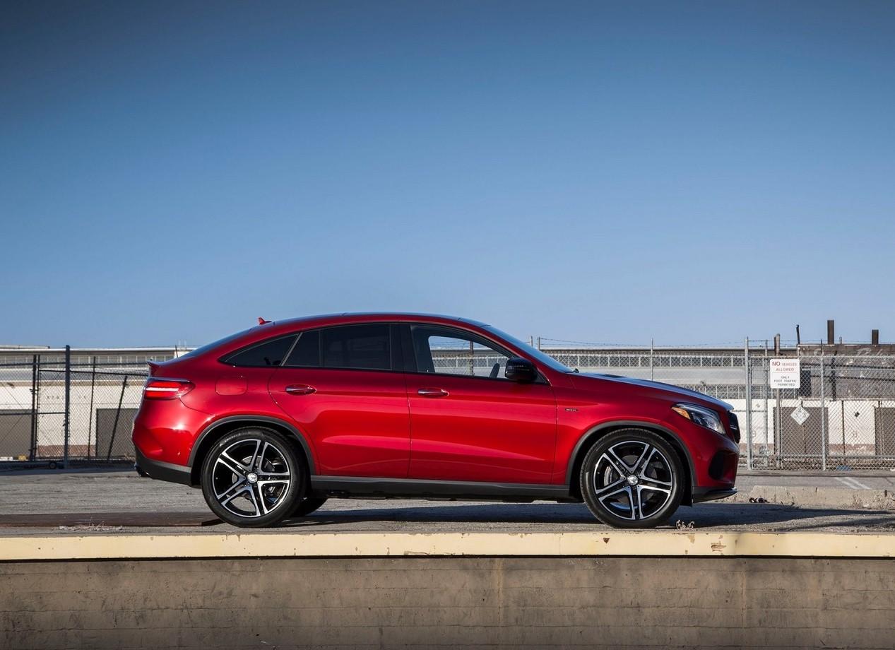 Mercedes-Benz GLE Coupe вид сбоку
