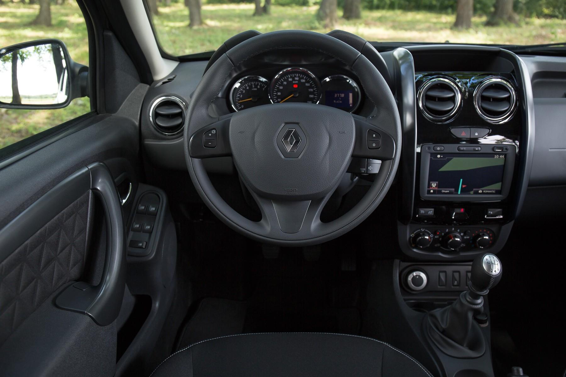 Renault Duster салон