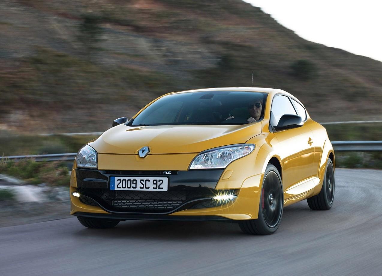 Renault Megane RS вид спереди