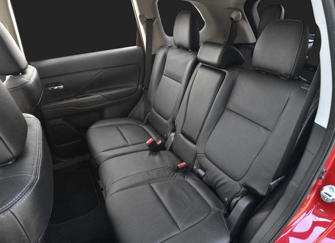 Mitsubishi Outlander интерьер