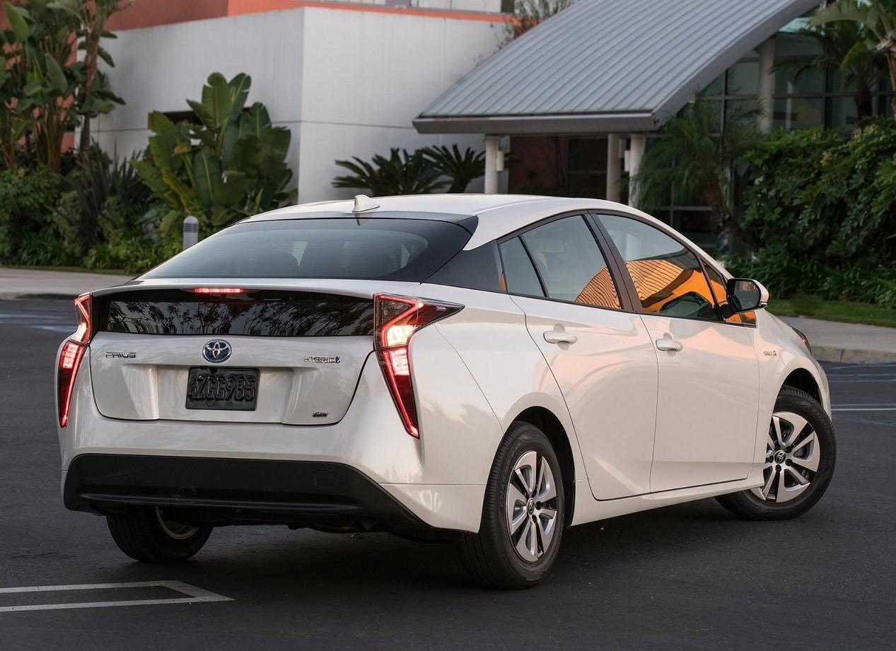 Toyota Prius автомобиль