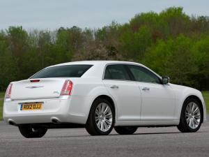 Chrysler 300C II фото