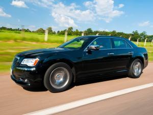 Chrysler 300C II автомобиль