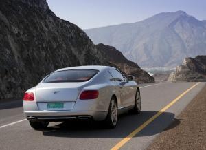 Bentley Continnetal GT вид сзади
