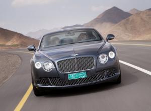 Bentley Continnetal GT вид спереди