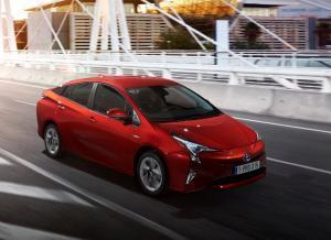Фото Toyota Prius 4