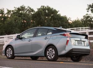 Фото авто Toyota Prius 4