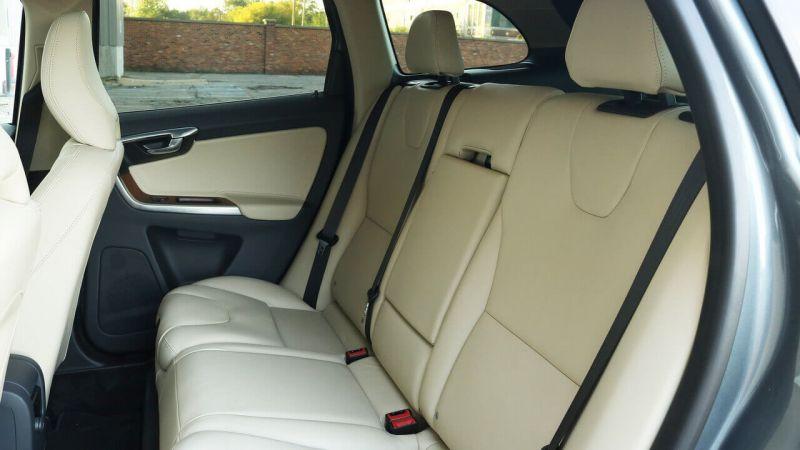 Volvo XC60 фото салона