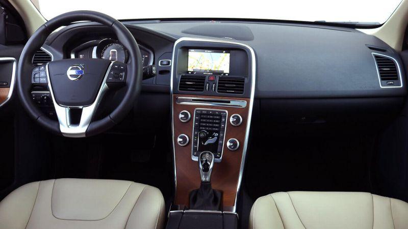 Volvo XC60 интерьер