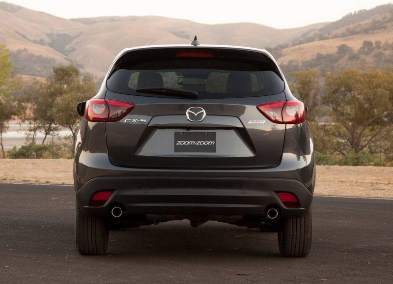Mazda CX-5 вид сзади