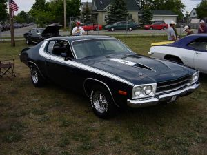 Plymouth Road Runner авто