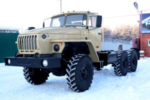 Автомобиль Урал-44202