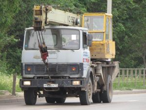 Автомобиль МАЗ-5337