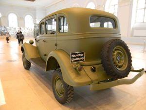 ГАЗ-61 вид сзади