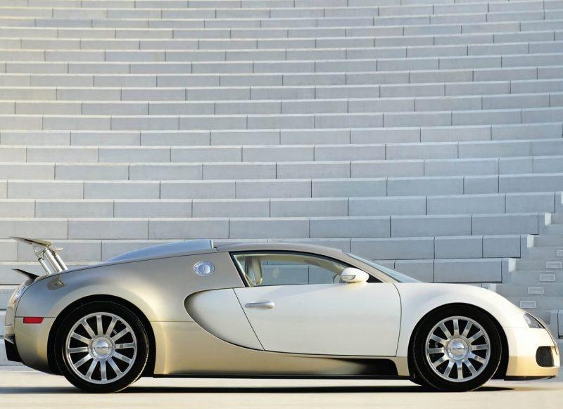 Bugatti Veyron фото автомобиля