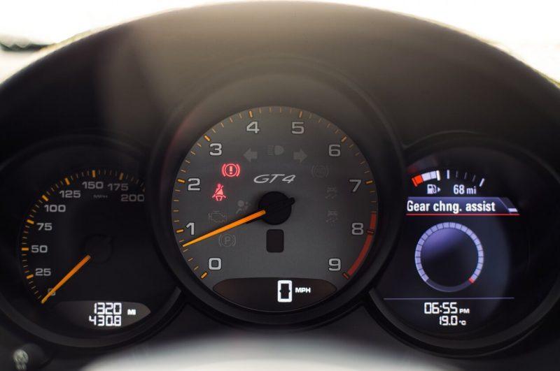 Панель приборов Porsche Cayman