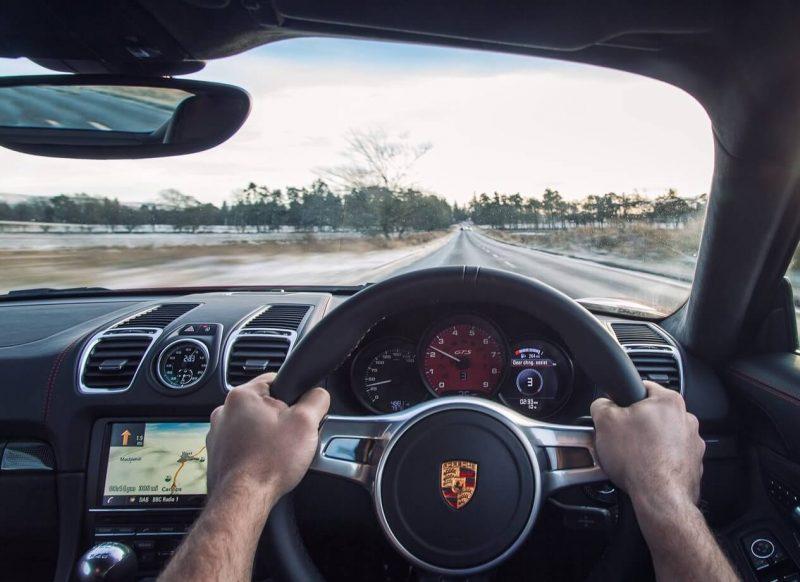 Фото руля Porsche Cayman