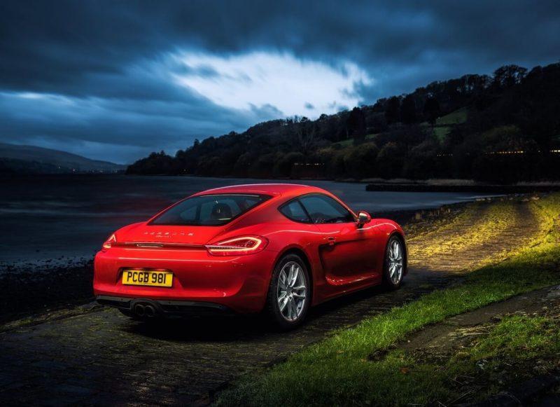 Вид сзади Porsche Cayman