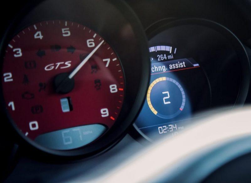 Porsche Cayman панель приборов