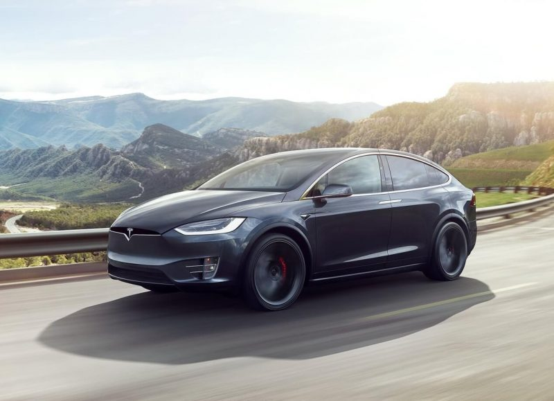 Фото Tesla Model X