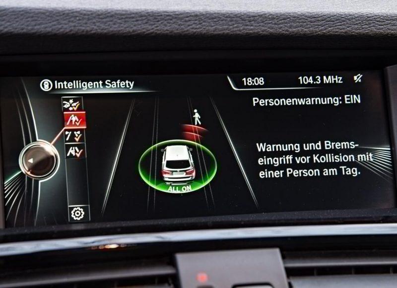 BMW X3 безопасность