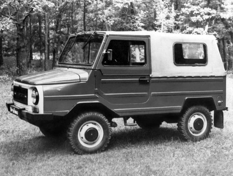ЛуАЗ-969М вид сбоку
