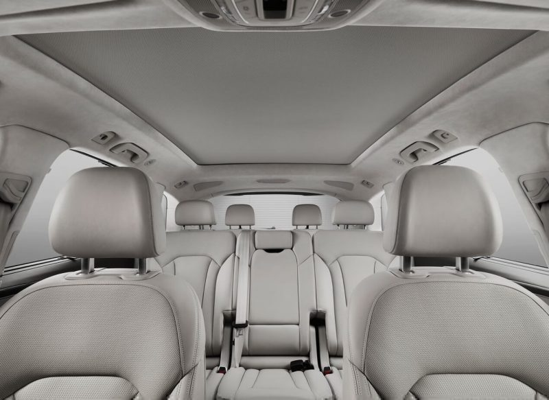 Семиместный салон Audi Q7
