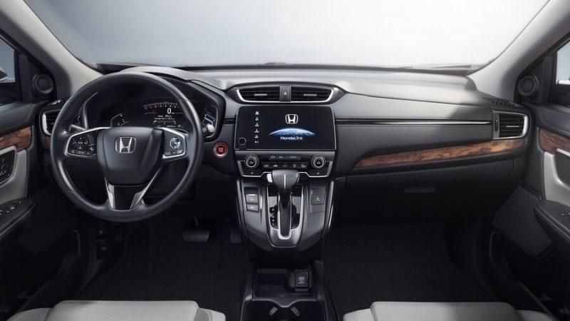 Салон Honda CR-V пятого поколения