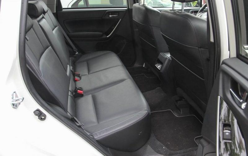 Задний диван Subaru Forester 4
