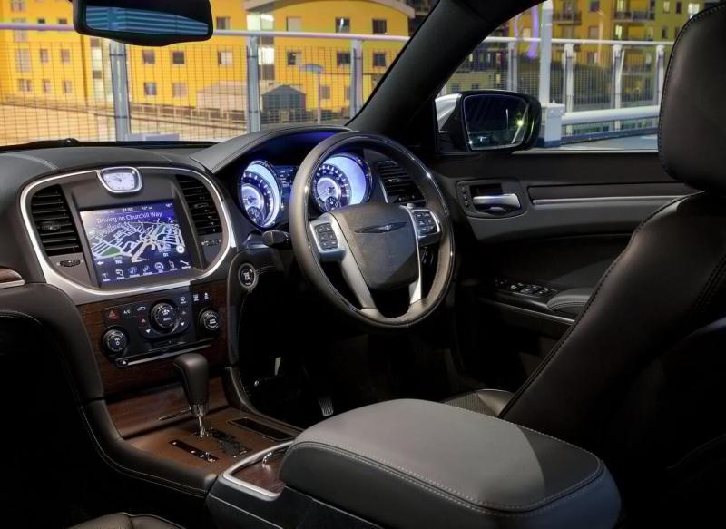 Салон Chrysler 300C